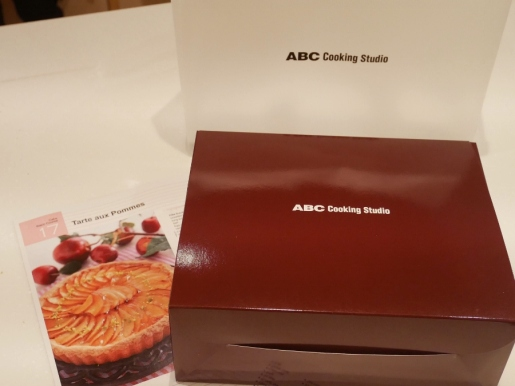 Recipe sheet and cake box