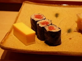 Tamago and tuna maki