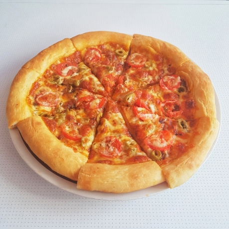 Tomato & Anchovy Pizza